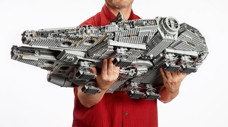 Lego Star Wars Millennium Falcon 1504198655084 V2 750x421